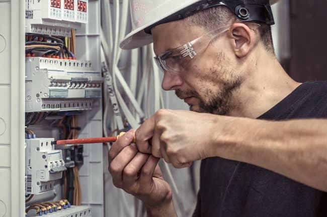 manutenções elétricas